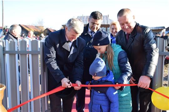 В Красночетайском районе торжественно открыли два медицинских учреждения