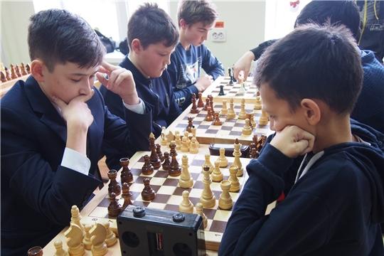 В Красных Четаях разыграны комплекты наград  массовых осенних турниров по шахматам и мини - футболу
