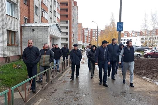 В Ленинском районе проведен еженедельный обход территорий
