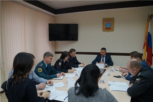 В Ленинском районе обсудили вопросы общественной безопасности и предупреждения правонарушений на административных участках