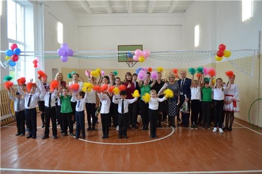 В рамках реализации федерального партийного проекта «Детский спорт» в Кугеевской ООШ проведен капитальный ремонт спортивного зала