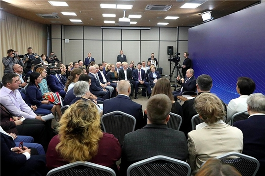 Встреча Владимира Путина с представителями общественности Калининградской области