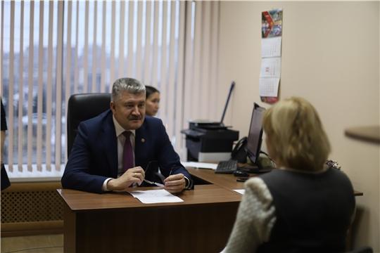 В Общероссийский день приема граждан до 17.00 в Минздрав Чувашии обратилось 17 граждан