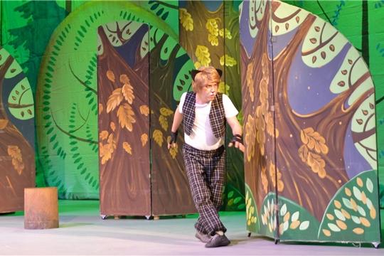 В Чувашском ТЮЗе идет Всероссийский фестиваль национальных театров юного зрителя «Атăл юмахĕ» (Волжская сказка)