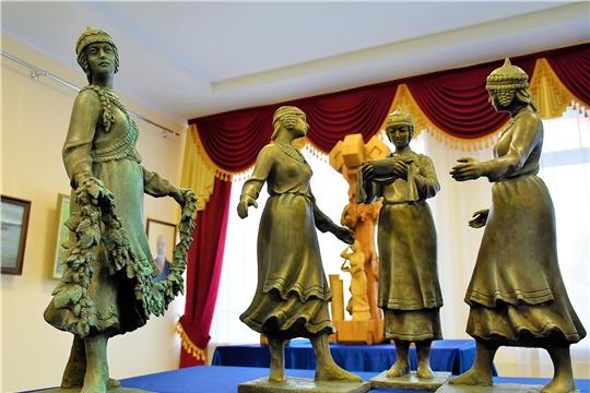 В Доме Дружбы народов Чувашской Республики открылась выставка «Кăвак хуппи» («Озарение»)