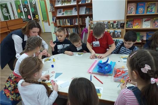 В библиотеке им. В. Маяковского состоялся благотворительный новогодний праздник для многодетных и малообеспеченных семей