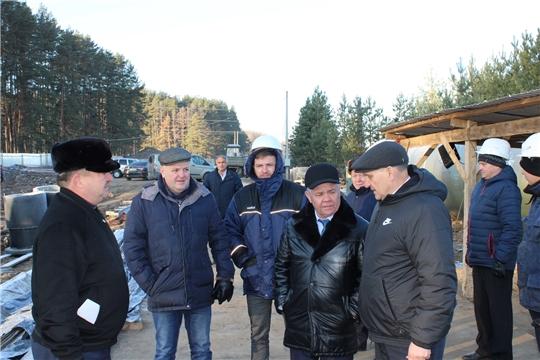 Министр Иван Исаев ознакомился с ходом строительства коллектора с очистными сооружениями в п. Вурнары