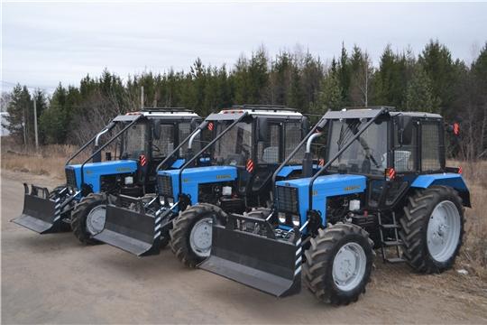 Первые три трактора с комплексной лесной защитой поступили в республику в рамках регионального проекта «Сохранение лесов»