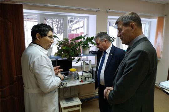 Министр Иван Исаев посетил Чувашский республиканский радиологический центр
