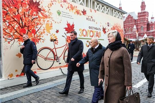 Дмитрий Патрушев осмотрел экспозицию гастрономического фестиваля «Золотая осень» на Красной площади