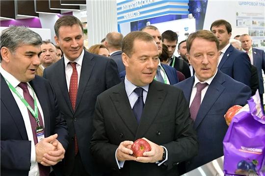 Медведев пообещал поддерживать российский агропромышленный комплекс