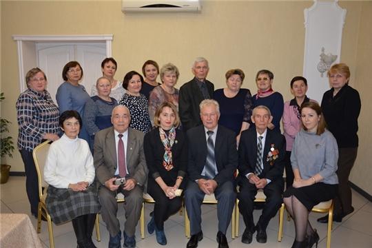 Коллектив Минюста Чувашии поздравил старшее поколение с Международным днем пожилых людей