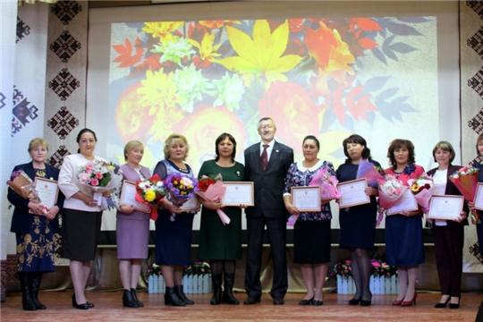 Учителя Моргаушского района отметили свой профессиональный праздник:  «за детство, за то, кем мы стали, спасибо вам за все, учителя»