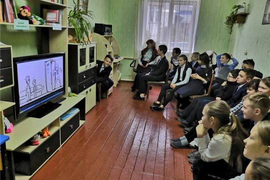 Беседа-размышление «Кем бы нам в дальнейшем стать?» в Моргаушской центральной районной детской библиотеке им. А. Г. Николаева