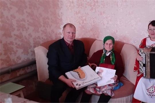 Свой 90-летний юбилей отметила ветеран труда, жительница д. Сяран -Сирмы, Харитонова Екатерина Николаевна