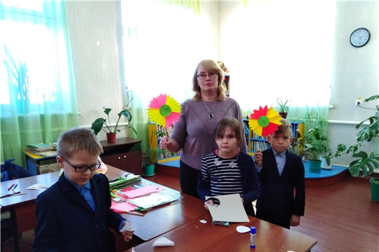 Мастер-класс ко Дню матери в Моргаушской центральной районной детской библиотеке