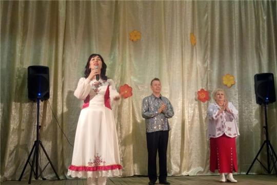 В Юнгинском сельском Доме культуры прошёл концерт Заслуженной артистки Чувашской Республики Ольги Луковой