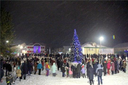 Новогодняя ночь возле главной елки района:  «2020 год для моргаушцев будет успешным и счастливым»