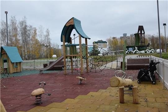 В Чебоксарах установлена детская площадка из экологичных материалов