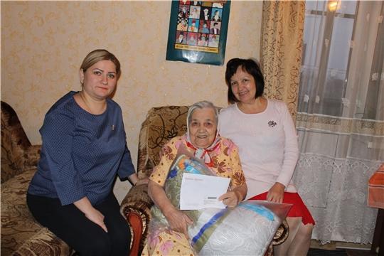 Чтим старшее поколение: в свой солидный юбилей Нина Никитина получила открытку от Президента России Владимира Путина