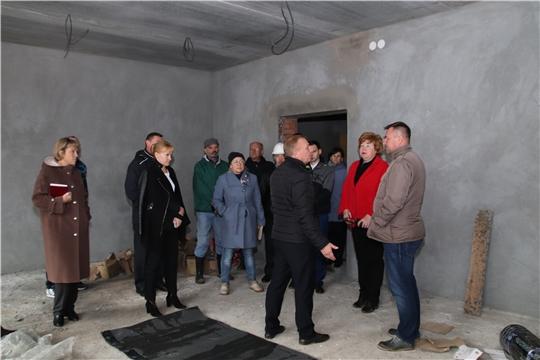 Глава администрации Новочебоксарска Ольга Чепрасова провела выездное совещание по строительству детского сада