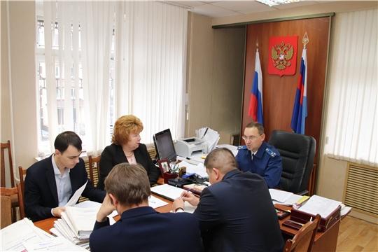 г. Новочебоксарск: в прокуратуре города состоялось очередное заседание рабочей группы по невыплате заработной платы