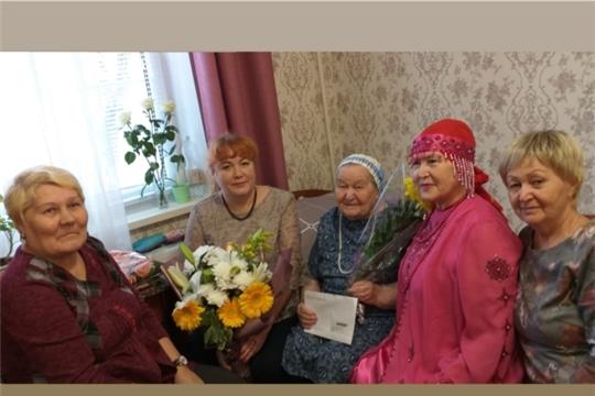 Поздравления с 90-летним юбилеем принимает ветеран Великой Отечественной войны Антонина Семеновна Татарова