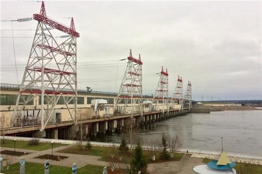 Чебоксарская ГЭС пропускает осенний дождевой паводок в штатном режиме