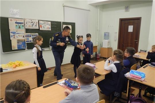 В Новочебоксарске продолжаются открытие уроки по безопасности на водных объектах