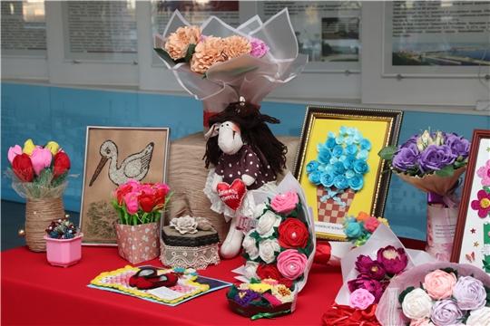 Лучшие детские работы конкурса «Подарок для любимой мамы» будут представлены в фойе администрации города до 29 ноября