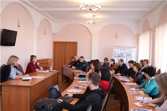 г. Новочебоксарск: на совещании с предприятиями торговли и общепита обсудили прививочную кампанию и подготовку к Новому году