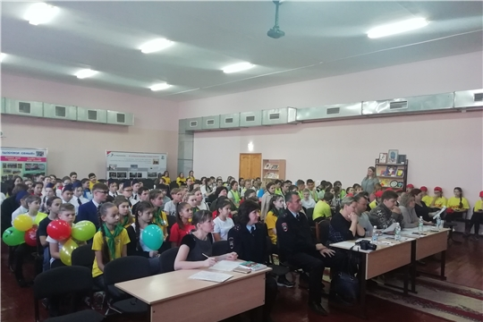 Команда МБОУ «СОШ №4» заняла второе место в КВН «Безопасность дорожного движения»