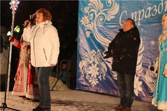 г. Новочебоксарск: глава города Олег Матвеев и глава администрации Ольга Чепрасова поздравили горожан с Новым годом