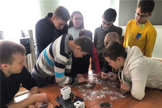 В Детском технопарке «Кванториум» к занятиям приступили 12 групп по 6 направлениям