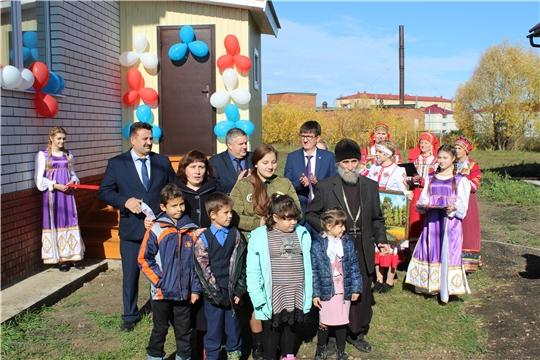 Многодетной семье Ивановых из с. Порецкого вручили ключи от нового благоустроенного жилого дома