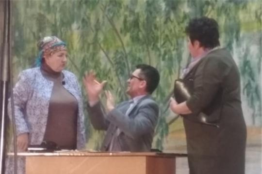 Шемуршинский народный театр поздравил народный театр «Касал» Комсомольского района с 50–летием