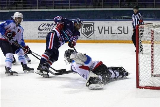 Первенство ВХЛ: домашняя серия началась с победы!