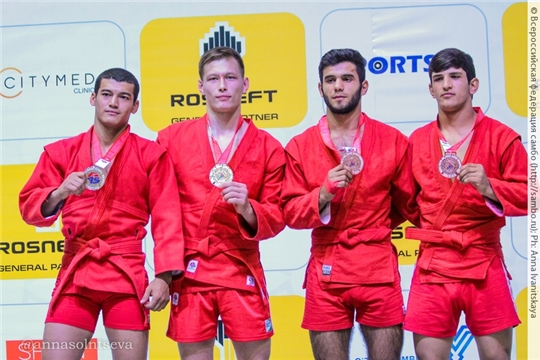 Даниил Орлов выиграл «золото» на первенстве мира по самбо