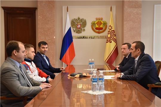 Встреча М.Игнатьева с чемпионом мира по спортивной гимнастике В.Поляшовым