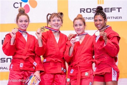 Спортсменка из Чувашии Елена Бондарева стала четырёхкратной чемпионкой мира по самбо!