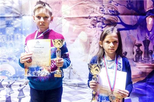 Анна Хмелева и Антон Смирнов – призеры первенства Поволжья по классическим шахматам
