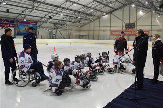 Михаил Богаратов поздравил детскую следж-хоккейную команду «Атȧл» с успешным выступлением на всероссийских соревнованиях