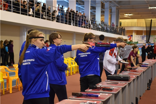 Старт дан: Чувашия принимает Всероссийские соревнования по троеборью и четырехборью
