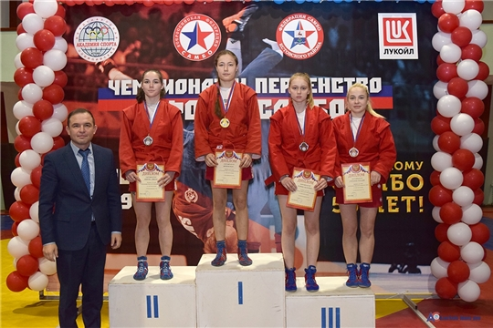 Спортсмены Чувашии завоевали 27 медалей на чемпионате и первенстве Поволжья по самбо