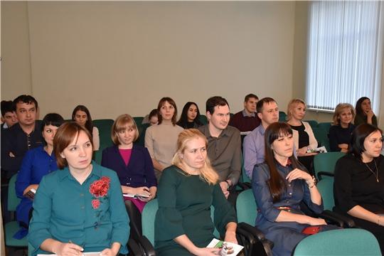 В рамках VI Всероссийской недели Сбережений состоялась встреча представителя ПАО Сбербанк с сотрудниками Госслужбы Чувашии по конкурентной политике и тарифам