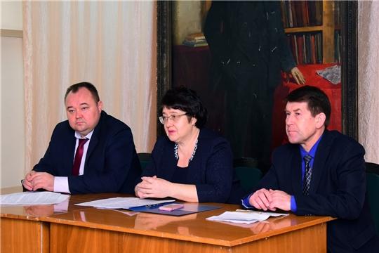 Руководитель Госслужбы Чувашии Марина Кадилова приняла участие в Едином информационном дне в Ибресинском районе