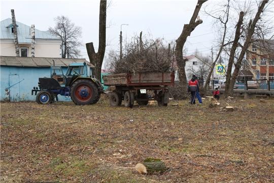 В п. Урмары продолжаются работы по подготовке площадки под строительство футбольного поля