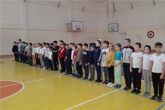 К защите родины готовы: школьники 3-4 классов Урмарского района  сдали нормативы ГТО