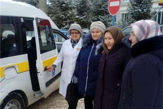 Первый выезд мобильной бригады по доставке лиц, старше 65 лет в БУ «Урмарская ЦРБ»