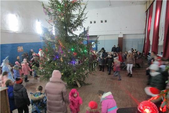 31 декабря 2019 года в Мусирминском сельском доме культуры прошла новогодняя развлекательная программа «Новогодние забавы»